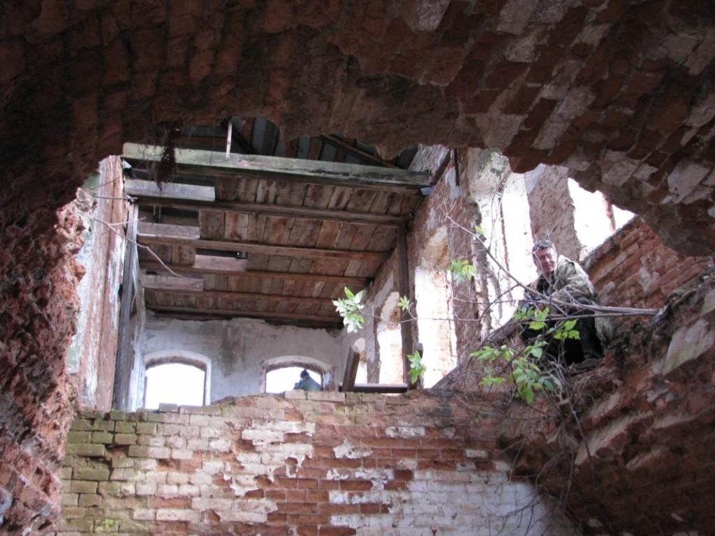 Разрушенные купеческие дома