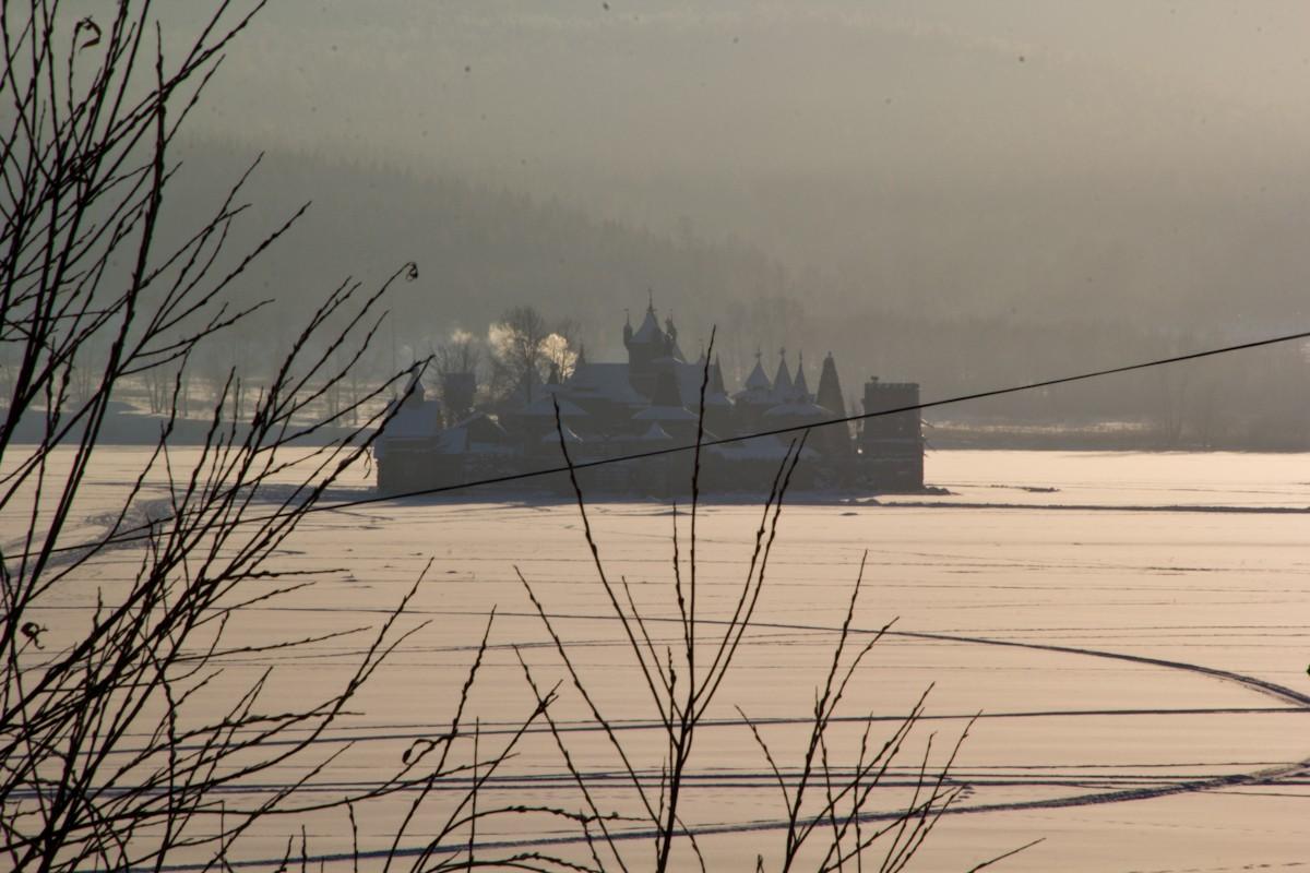 Остров в Саткинском пруду