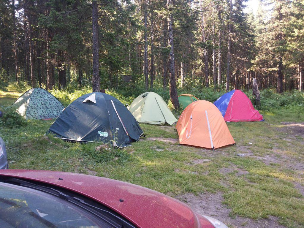 Палаточный лагерь утро