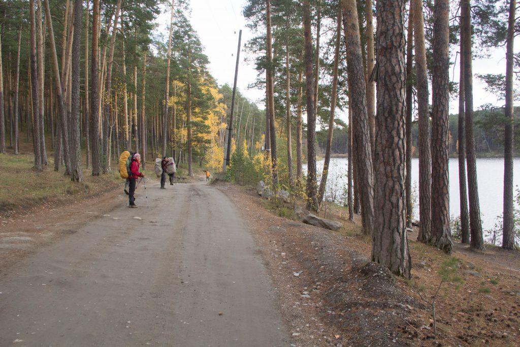 Вдоль озера Инышко по направлению на поселок Тургояк.