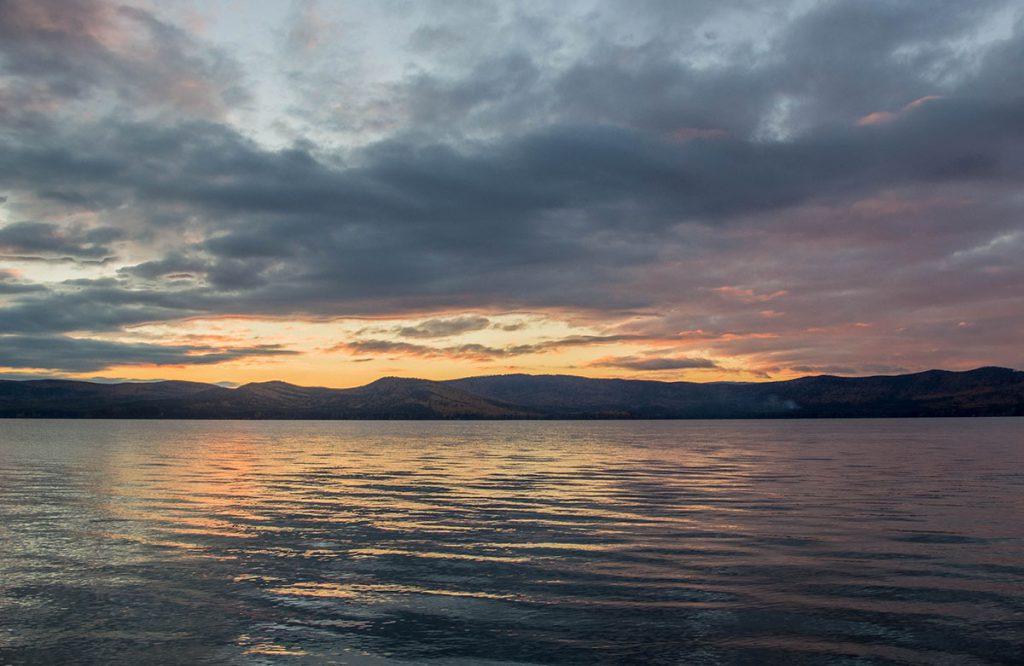 Закат на озере Тургояк.